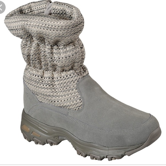 SKECHERS TOASTY TOES BOOTS